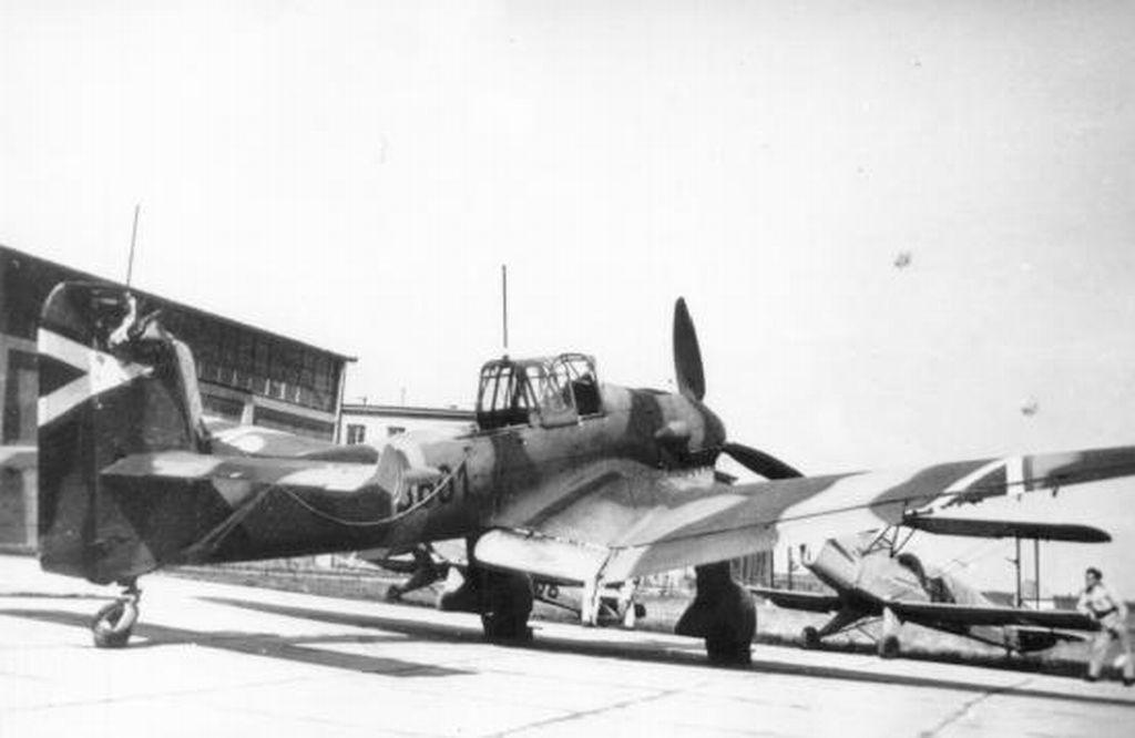 Hungarian Air Force-j87p2.jpg