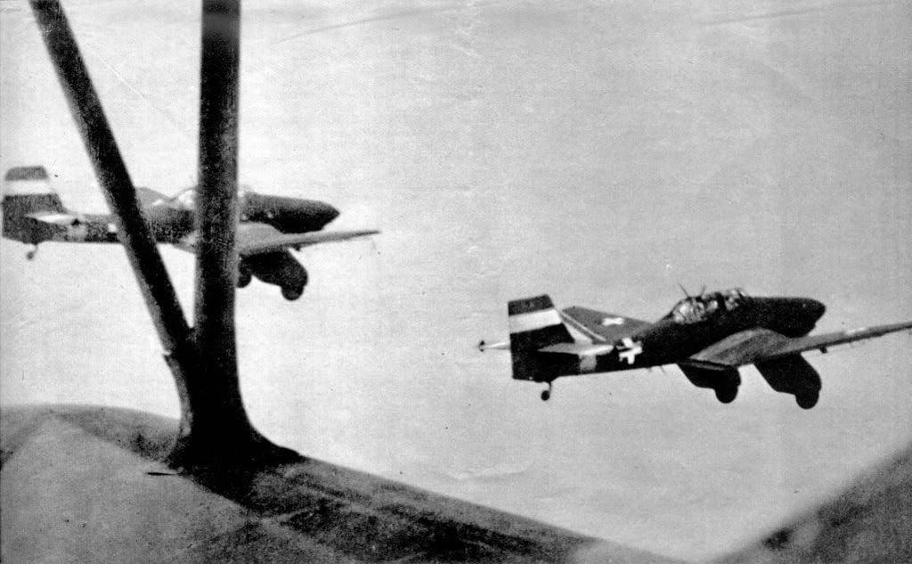 Hungarian Air Force-ju87k-4huaf-2.jpg