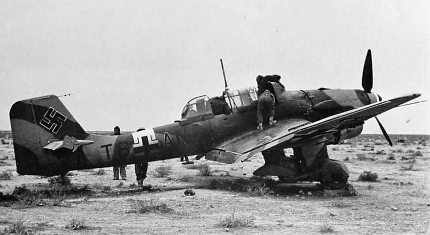 Ju_87R-2_T6-AN_Dec_1941_.jpg