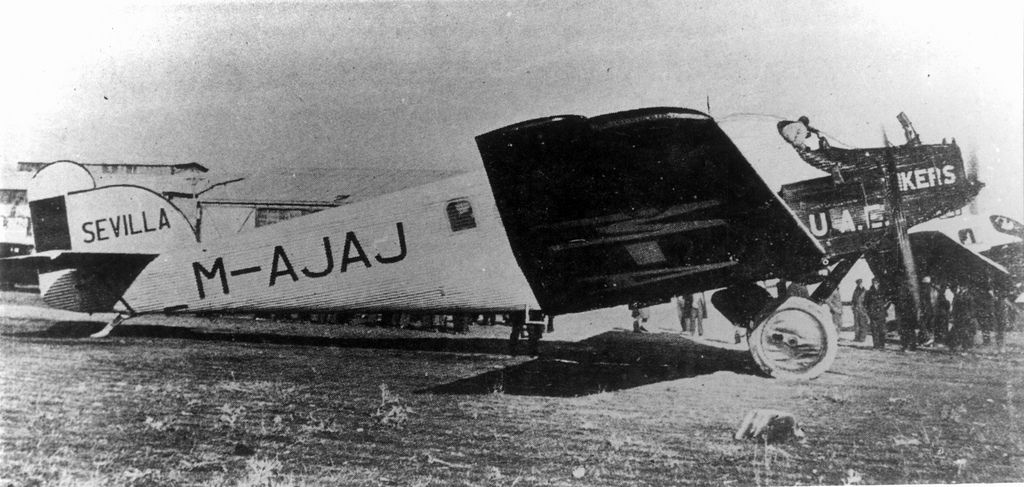 Spanish Civil War: Republican Air Force (FARE)-junkers-24-jpg