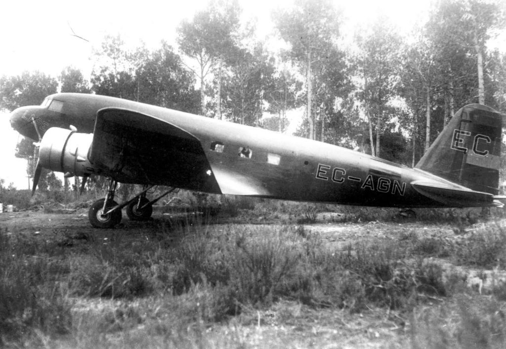 Spanish Civil War: Republican Air Force (FARE)-lc-dc-1-ec-agn-lape-jpg