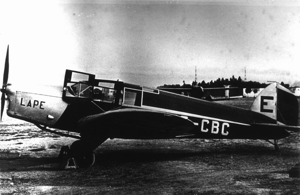 Spanish Civil War: Republican Air Force (FARE)-lc-de-havilland-puss-moth-ec-cbc-lape-2-jpg