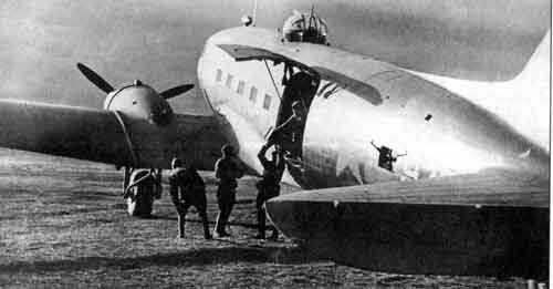Russian C-47 with turret-li2-32-jpg