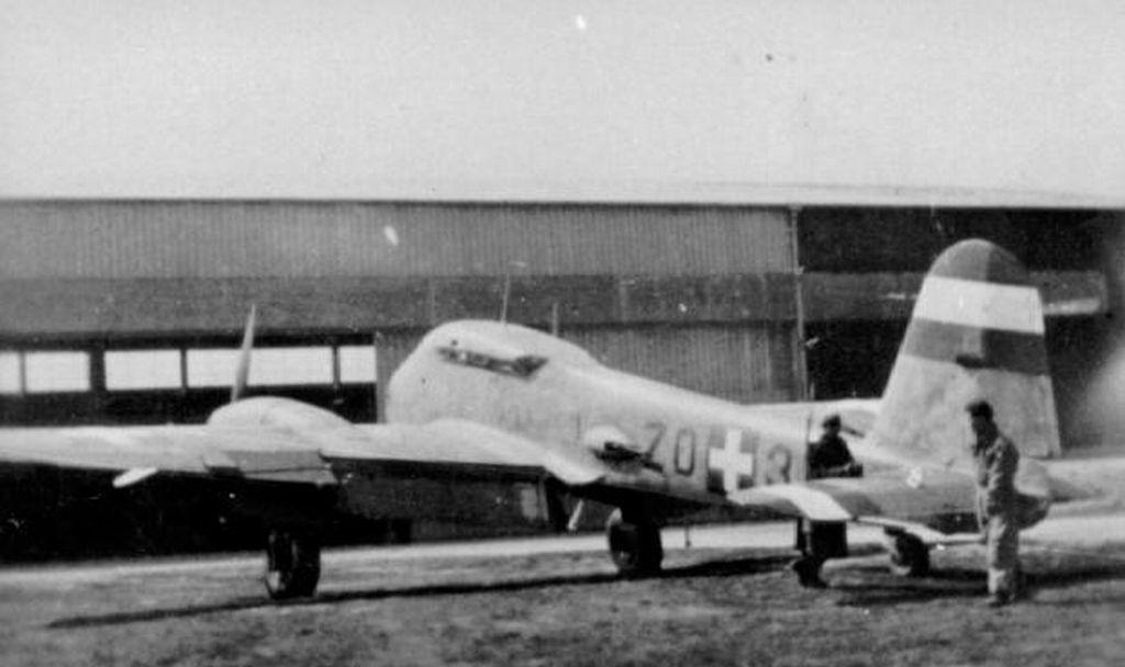 Hungarian Air Force-m210x1-jpg