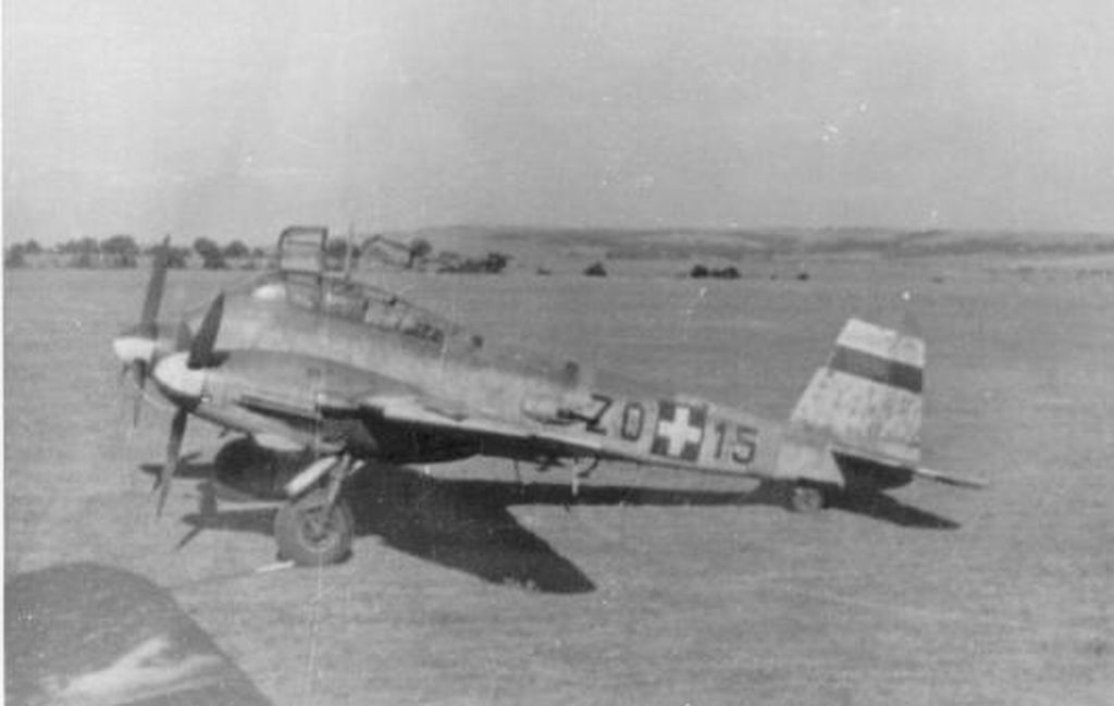Hungarian Air Force-me21p-jpg