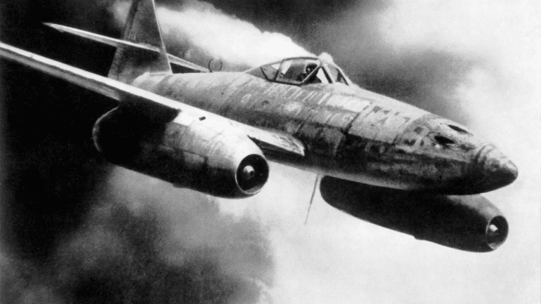 Rear-Engine Pusher Fighter?-me262a-png