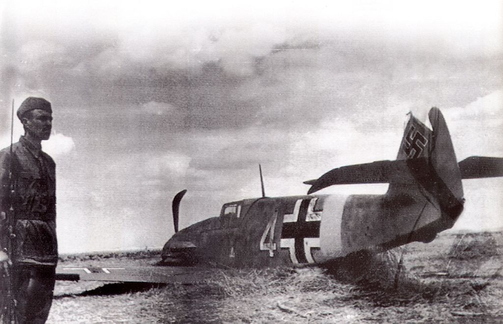 Accidents and losses-messerschmitt-bf-109f-w4-crash-landed-russia-1941-42-01-jpg