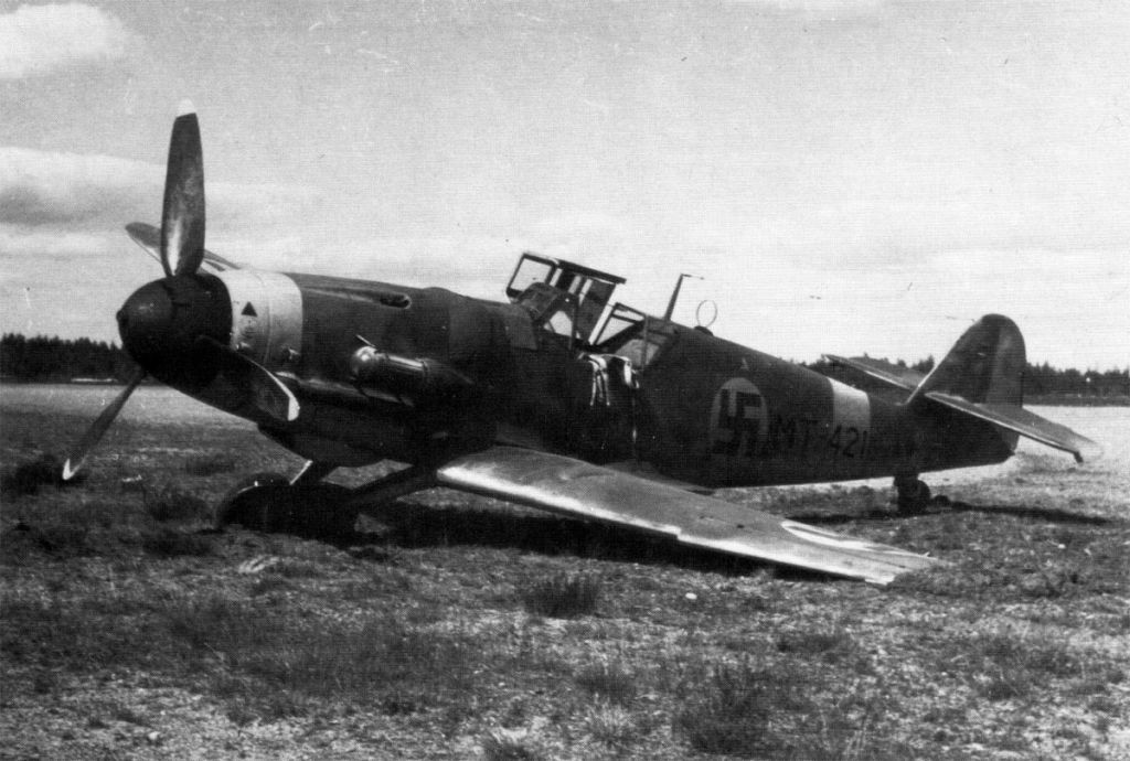 Finland Air Force-messerschmitt-bf-109g2-001.jpg