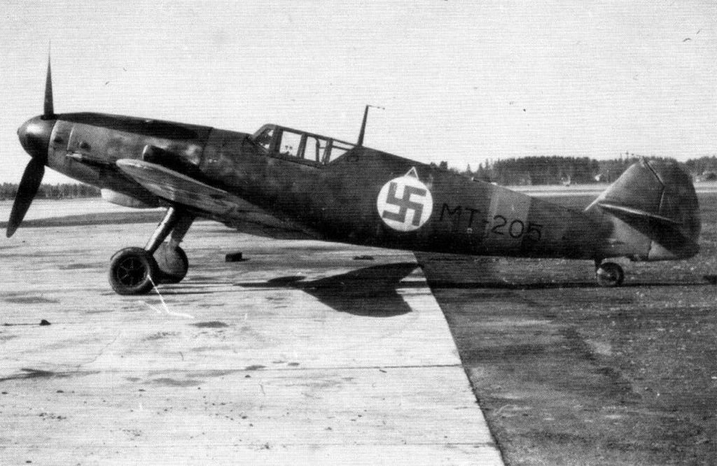 Finland Air Force-messerschmitt-bf-109g2-0012.jpg