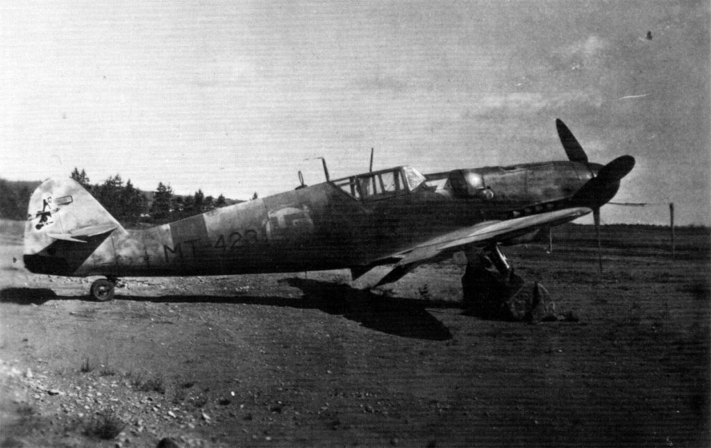 Finland Air Force-messerschmitt-bf-109g2-002.jpg
