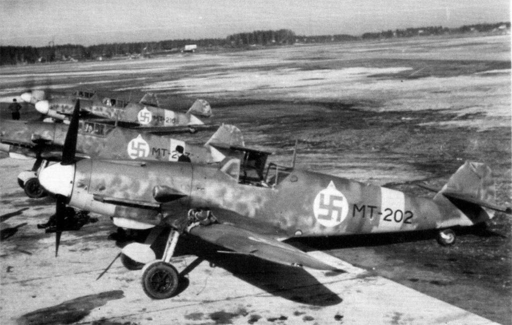 Finland Air Force-messerschmitt-bf-109g2-005.jpg