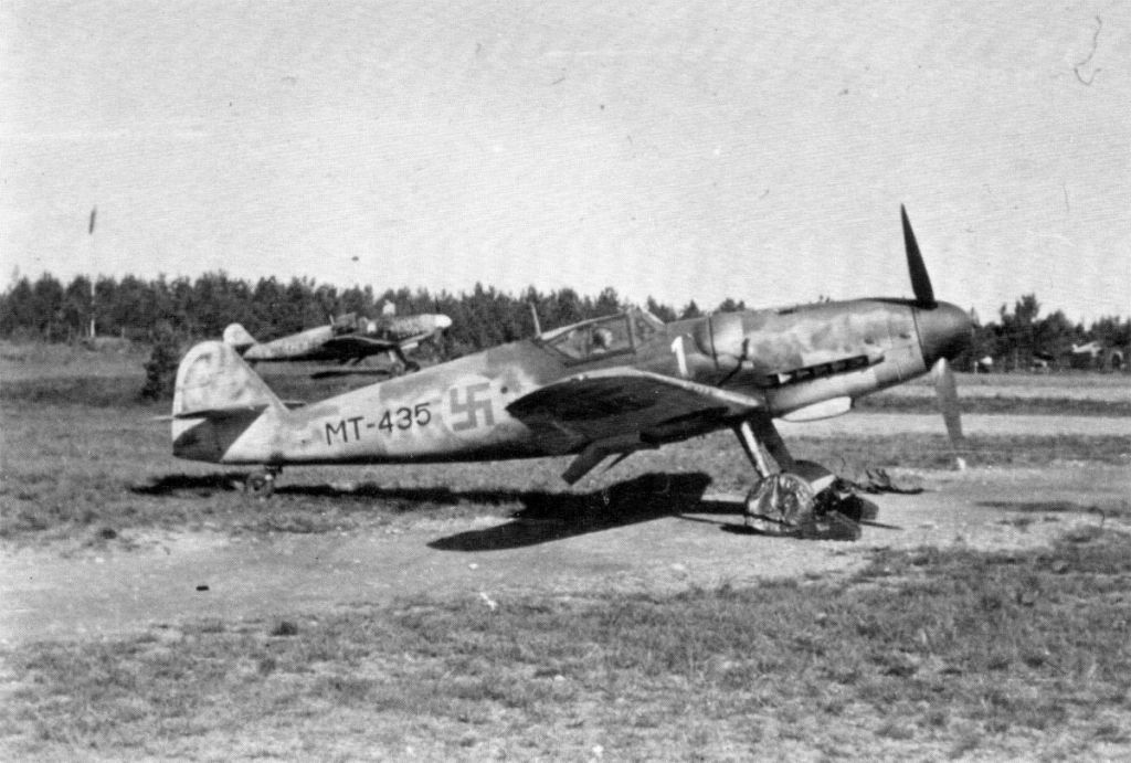 Finland Air Force-messerschmitt-bf-109g6-006.jpg