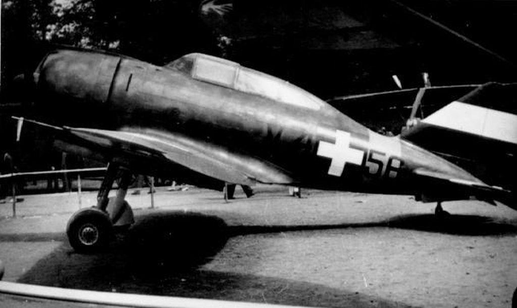 Hungarian Air Force-r2000x23-jpg