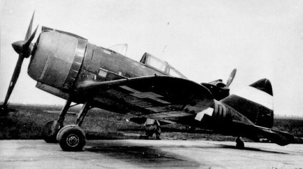 Hungarian Air Force-r2000x4-jpg