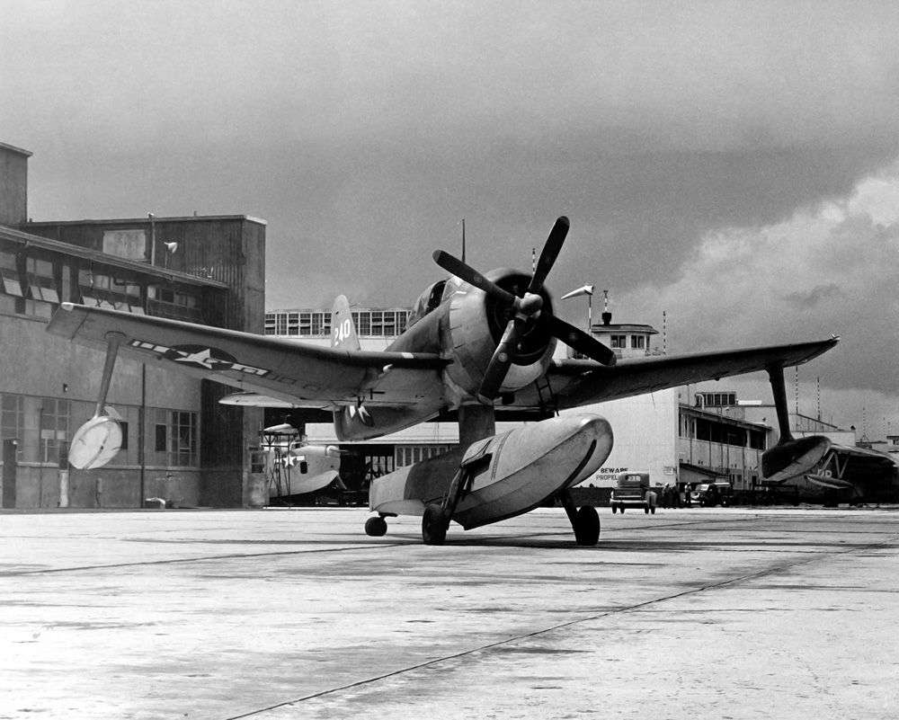 P-38 Lightning-why no 4-blade paddle prop?   Aircraft of