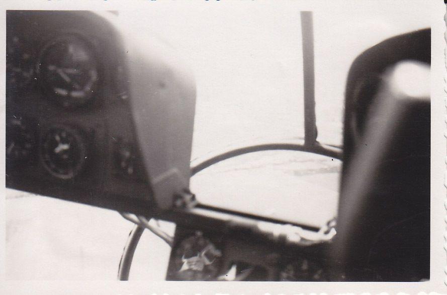 siebel Si204_07_Si 204 D der C 14 Prag-Gbell im Sommer1943 Innenraum.JPG