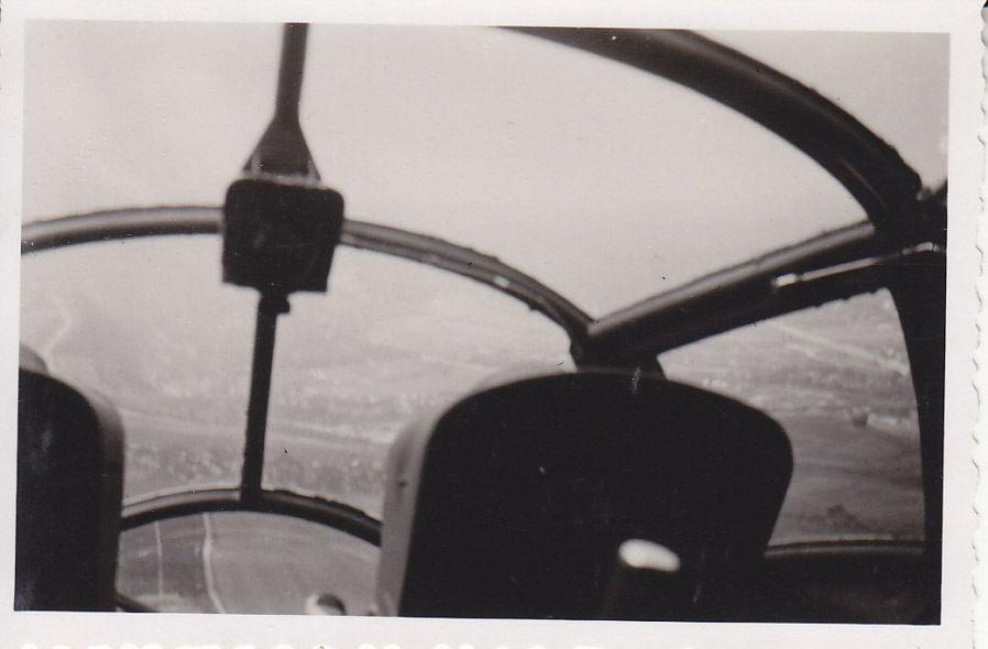 siebel Si204_08_Si 204 D der C 14 Prag-Gbell im Sommer1943 Innenraum.JPG