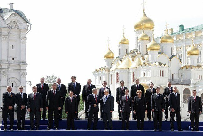 Victory Day Parade in Moscow, May 9th 2010-world_leaders_at_the_2010_moscow_victory_day_parade.jpeg