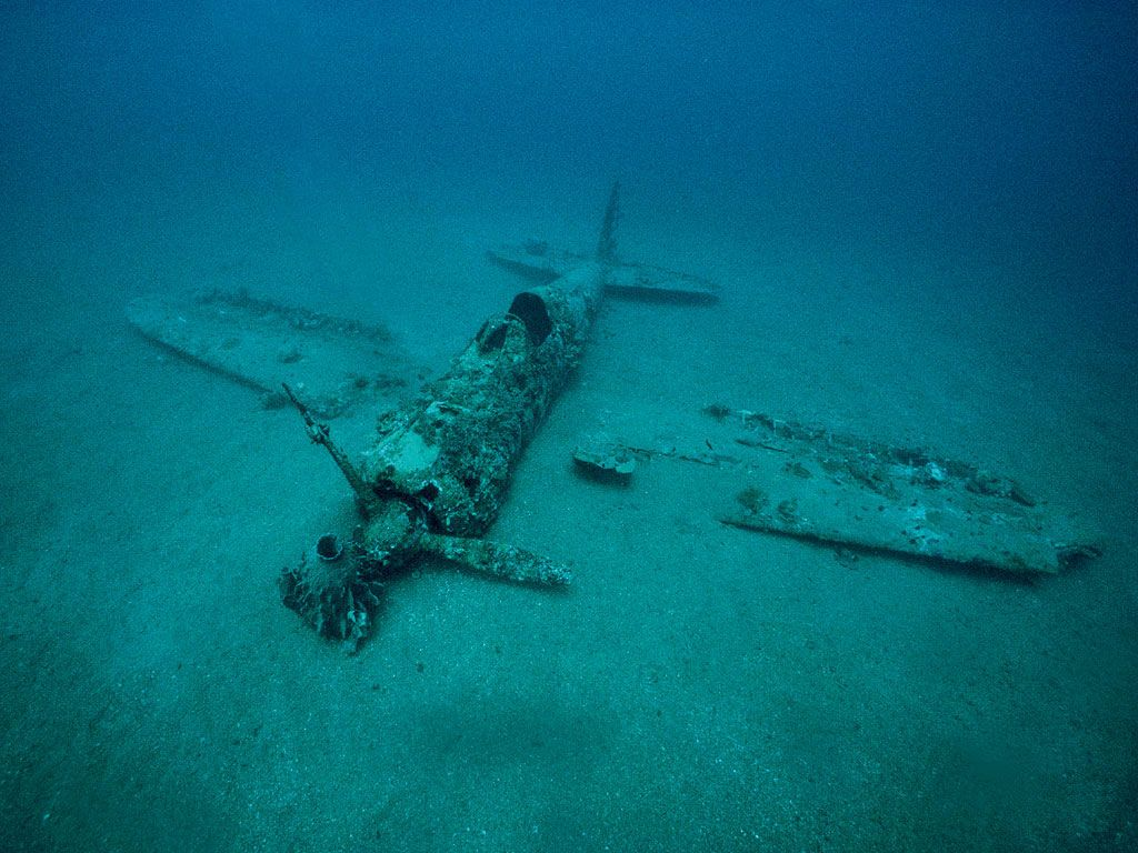 Shot Down Planes Underwater-zekepercent2001_underwater_109-jpg